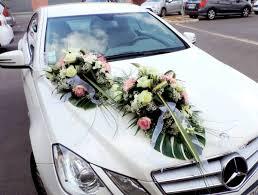 décoration voiture mariage des idées pour votre arrivée