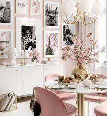 wanddeko ikonische fotografien rosa esszimmer goldrahmen
