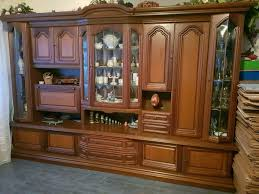 wohnzimmerschrank antik mit regalen u eingebautem barfach