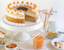 himmlisch fruchtig leichte multivitamin torte mit pfirsichen
