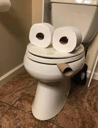 das badezimmer meines freundes brachte mich zum lachen