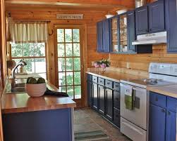 Small Log Cabin Kitchen Ideas by Best 25 Log Cabin Kitchens Ideas On Pinterest Beauty Cabin Log