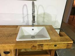 design küchenzeile kitchencarrier aus alter hobelbank
