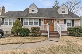 100 Houses For Sale Merrick 2124 Burke Pl NY MLS 3113103 Sailing Home Realty