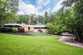 100 Atlanta Contemporary Homes For Sale A Robert Green Restored Residence In Georgia Hits