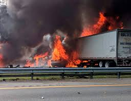 100 Arrow Hwy Truck Parts Fiery Florida Highway Crash Caused By Fuel Leaves 7 Dead
