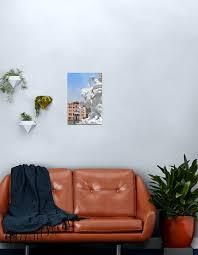 6 juni 2017 weiße skulptur mit pferd und schlange in venedig italien metallbild