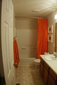 Paint Color For Bathroom With Beige Tile by What Color To Paint Bathroom With Beige Tile Double Door Cabinet