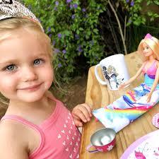 Barbie Doll Video Fashion Show