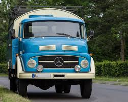 File:Mercedes-Benz L 710 Truck 130701 1.jpg - Wikimedia Commons