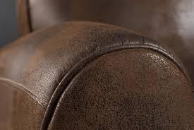 recouvrir un fauteuil club fauteuil club en microfibre aspect cuir vieilli chocolat zia