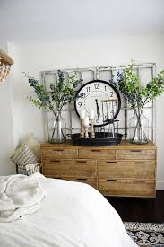 10 PRETTY COOL ROOM IDEAS USING CLOCKS