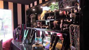 La Boutique Mobile Fashion Truck In Tampa, FL - YouTube