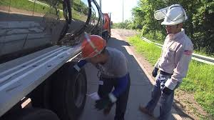 Schneider's 3 Phase Training For Truck Driving School Graduates ...