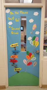 changing classroom door decorations according to theme oaksenham