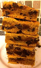 Easy Pumpkin Desserts by Pumpkin Bars With Chocolate Chips U2013 Easy Pumpkin Squares Recipe