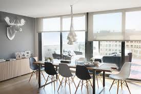 essplatz mit eames chairs vor bild kaufen 11363184