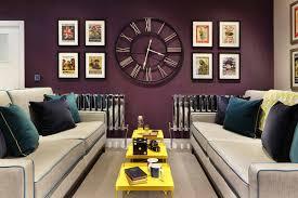 Interior Decor With Oversized Clocks