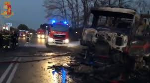 100 Sabinas Cars And Trucks Two Dead Several Injured In Petrol Station Explosion Near Rome