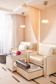 Salon Decorating Ideas Budget by 15 Ideas For A Stylish Beauty Salon