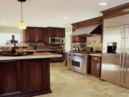 Kitchen Color Ideas With Cherry Cabinets Kitchen Ideas Cherry Cabinet Kitchen Design Ideas