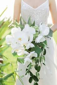 A Seasonal Guide To Gorgeous Wedding Flowers Many Brides Find Themselves In For Rude Awakening At Their First Florist Appointment When They Discover That