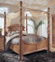 Queen Canopy Bed Curtains by Victorian King Canopy Bed With Curtains And Sconces Surripui Net