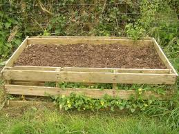 Fall Pallet Planter Planters Raised Bed And Gardens Garden Box Plans