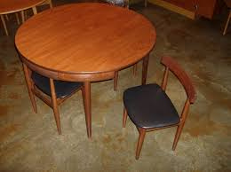 Iconic Danish Modern Dining Table With 4 Chairs Designed By Hans Olsen For Frem Rojle