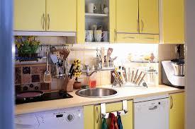 moderne küche mit gelben bild kaufen 289613