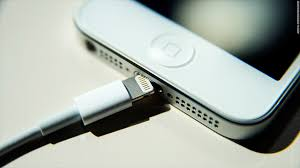 Don t expect cheap knockoffs of Apple iPhone s new Lightning