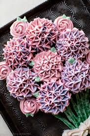 How To Make A Cupcake Bouquet With Decorated Rose Cupcakes And Hydrangea Video Tutorial