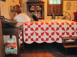 Farmhouse Bedroom With Red And White Quilt Primitive Decorations