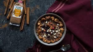 porridge mit gebrannten zimt cashewkernen