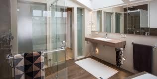 badausstellung bad sanitär heizung und sanitär kommt