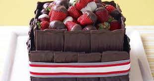 rich chocolate and strawberry cake 1