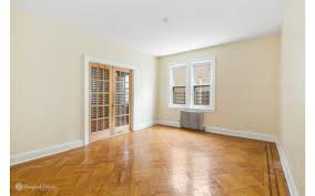 One Bedroom Apartments Craigslist by Brooklyn Apartments For Sale Bedroom Apartment In Makrillarnacom