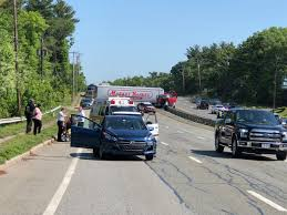 Christmas Tree Shop In Lynnfield Saugus SB Traffic Being Diverted At Tunnel Sjforman138 Is On Scene Says 2 People Taken To Hospital