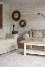 deko für das wohnzimmer und die wand mit kranz und wandle