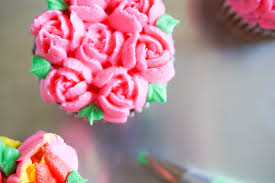Cakes Decorated With Russian Tips by Tips For Frosting Cakes U2014and 4 Easy Ideas The Pioneer Woman