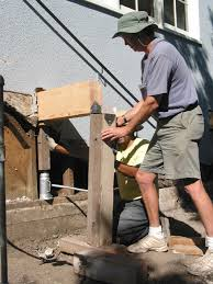 Floor Joist Jack Crawl Space by Temporary Support Beams For Sill And Foundation Work Fine