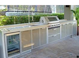 find out about outdoor kitchen contractors click