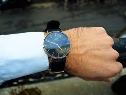 comment porter une montre comment porter une chemise hawaïenne l express tout chemise