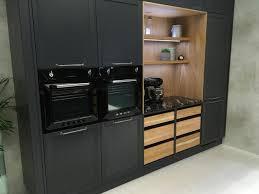 schwarze küche schöner wohnen