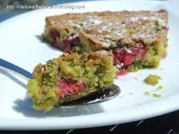 cake a la pate de pistache gateau moelleux pistache framboise les délices d hélène