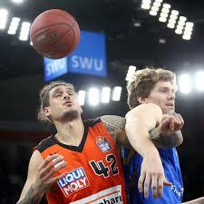 Basketball Schwerstarbeit Für Die Langen Ulmer Lokalsport