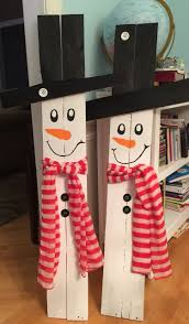 Snowmen Made From Pallet Wood Tree Snowman