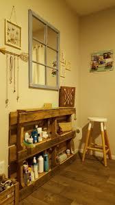 Vanity Table With Lights Around Mirror by Best 25 Pallet Vanity Ideas On Pinterest Diy Makeup Vanity