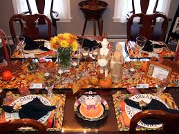 Dining Room Table Decorating Ideas For Fall by Fall Themed Decorating Table For Thanksgiving In Large Dining Room
