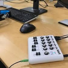 Taiwan Maker Hart 220V 240V Mini Mixer Home Studio Webcast Audio